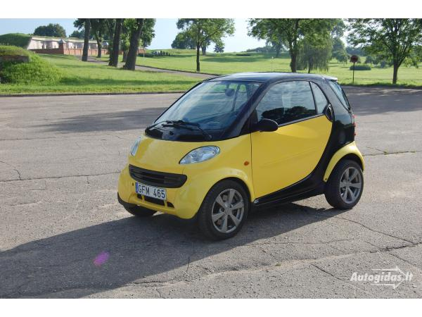 smart-fortwo-coupe-2001-5